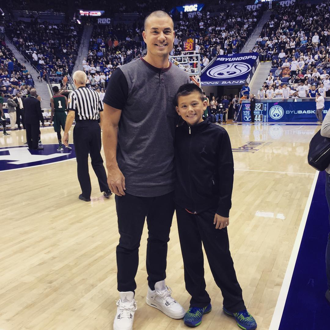 Jeremy Guthrie wearing the 'Bling' Air Jordan 4
