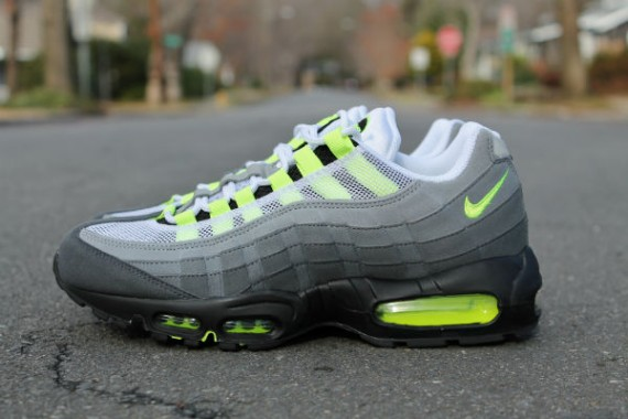 nike air max 95 neon yellow