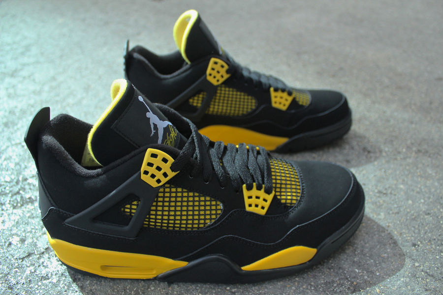 Air Jordan IV 4 Thunder 308497-008 (1)