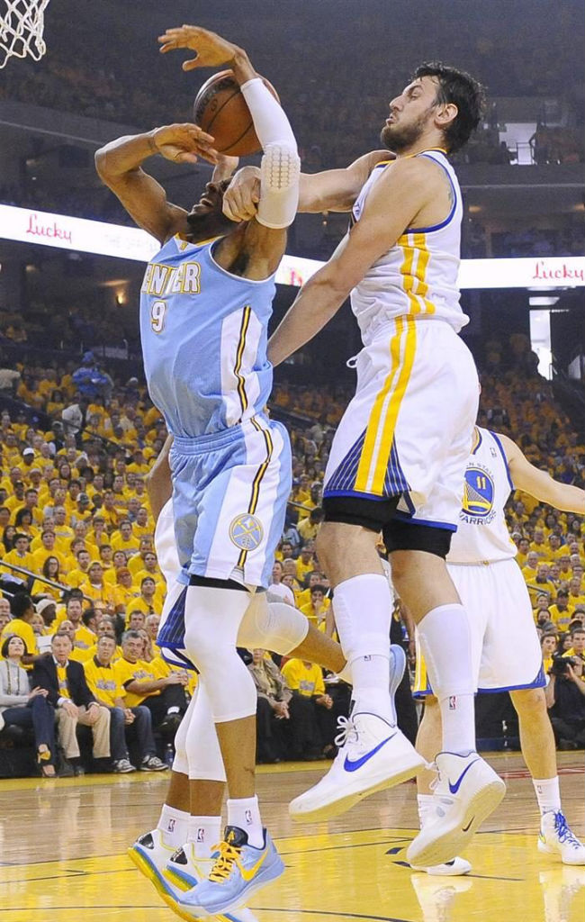 Andrew Bogut Posterizes JaVale McGee in the Nike Hyperfuse 2012 (3)