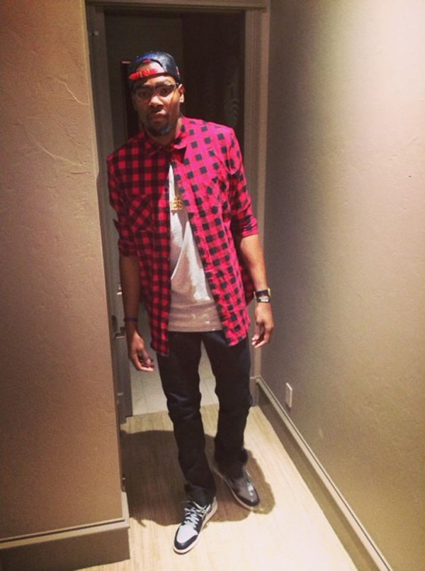 Kevin Durant wearing Air Jordan 1 Retro Shadow