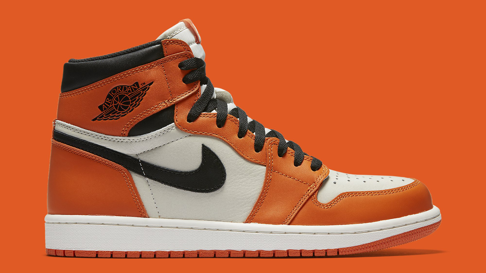 premium selection 3de14 3b0fa Air Jordan 1 Shattered Backboard Away 555088-113 Profile