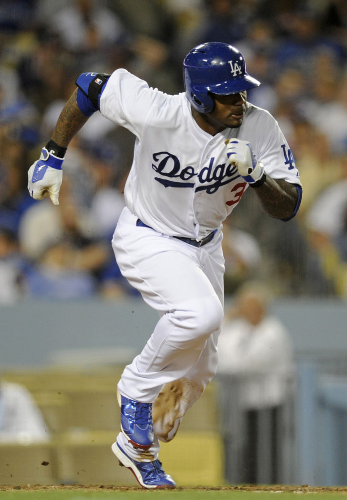 Carl Crawford wearing Air Jordan VI 6 Los Angeles Dodgers PE Cleats (2)