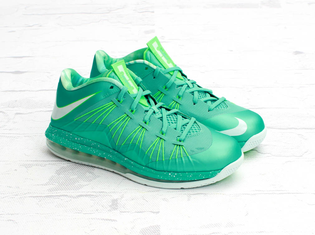 new styles 93d80 8ba13 Nike Air Max LeBron X Low