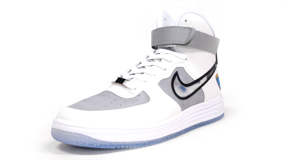 Nike Lunar Force 1 Hi WOW QS in white metallic silver