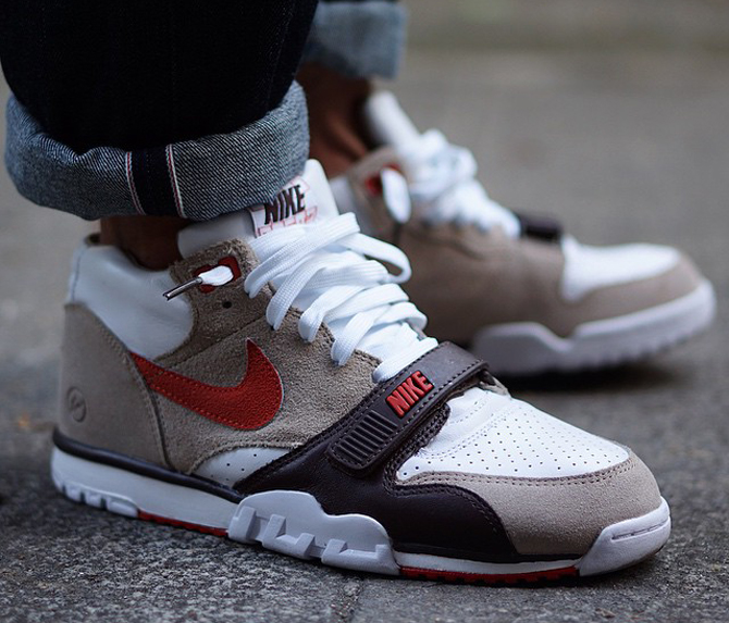 see fragment 39 s nike air trainer 1 collab on feet sole. Black Bedroom Furniture Sets. Home Design Ideas