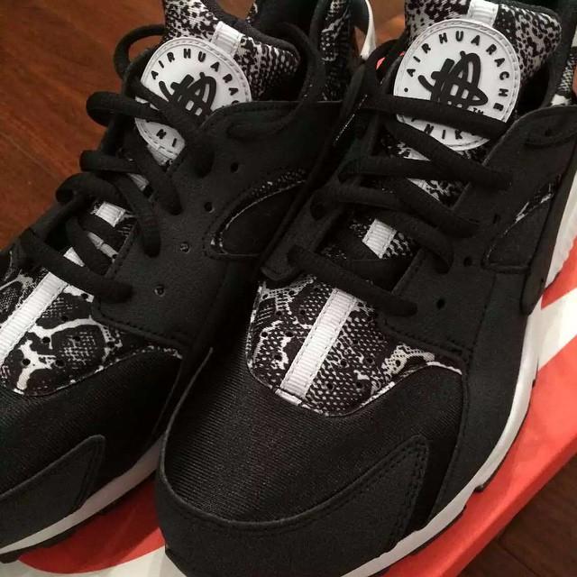 Nike Huarache Black And White Print