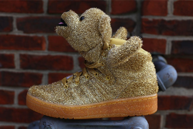 These Silver and Gold colorways of the JS Bear will be available November  15th at Oneness 0025afa68