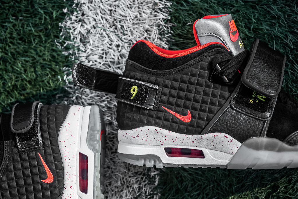 quality design 3444a 71395 Victor Cruz Salutes His Late Father on Nike Shoes.
