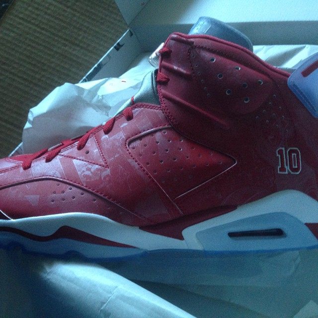 Warren Sapp Picks Up Slam Dunk x Air Jordan VI 6