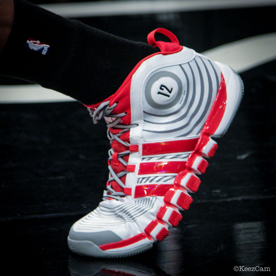 Dwight Howard wearing adidas D Howard 4 PE (4)