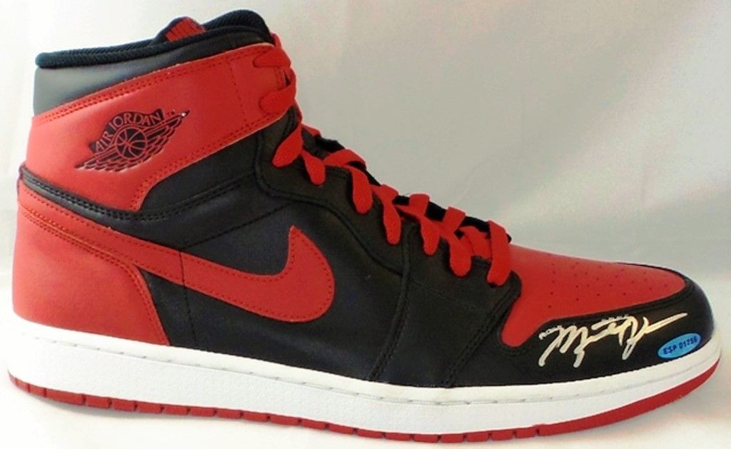 b2ddf74a894 20 Michael Jordan-Autographed Air Jordans You Can Grab on eBay Right ...