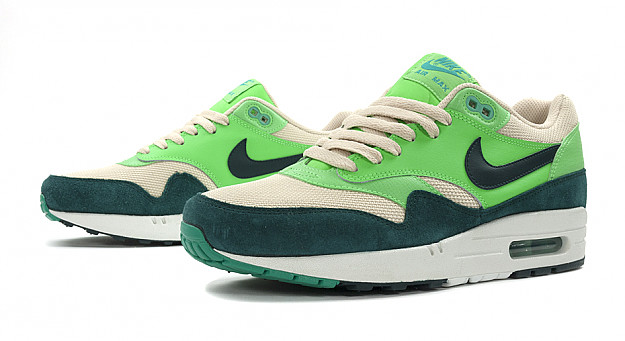 nike air max 1 essential green suede