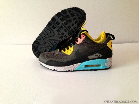 Nike Air Max 90 Mid No Sew Sneaker Boot Black