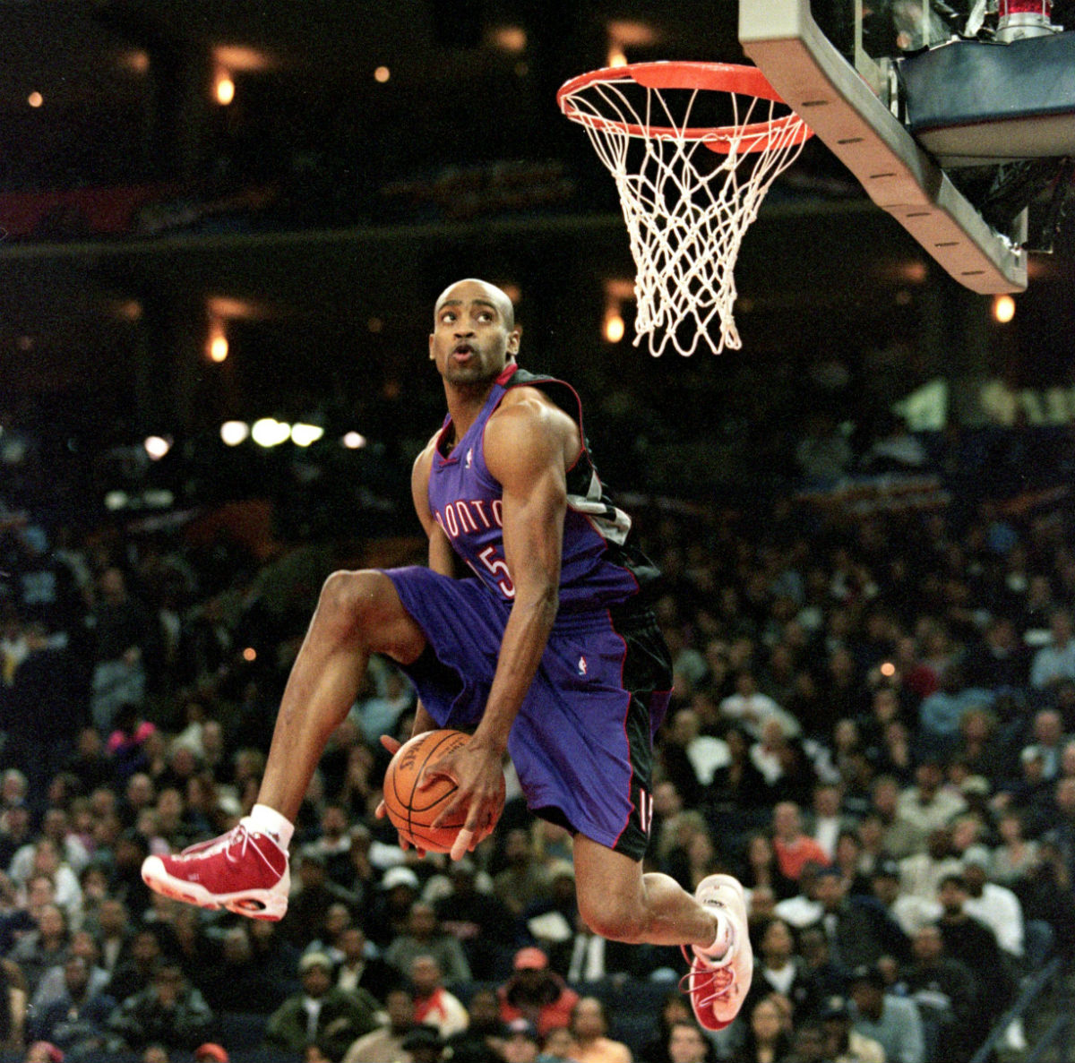 Vince Carter Wins the 2000 Slam Dunk Contest in the AND1 Tai Chi