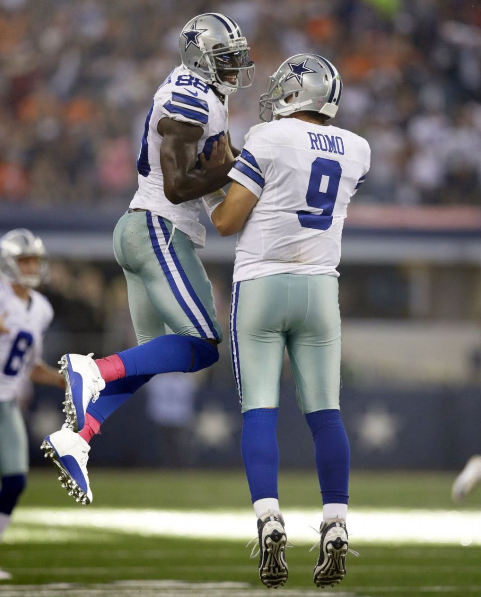 Dez Bryant Wears Air Jordan 12 XII Low Dallas Cowboys PE Cleats (7)