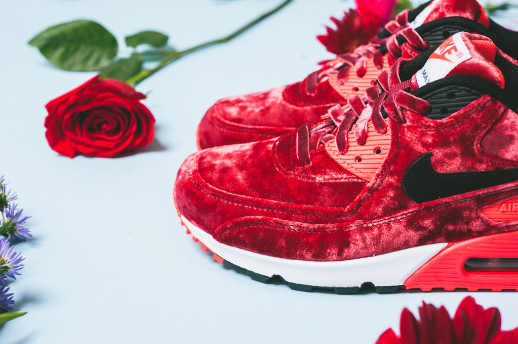 newest 62fbb bdf15 Release Date Nike Air Max 90 Red Velvet