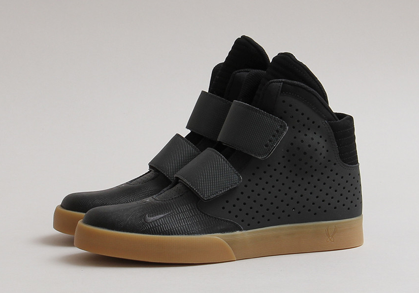 huge selection of 00128 c0eff Gum Bottoms Spruce Up the Nike Flystepper 2K3