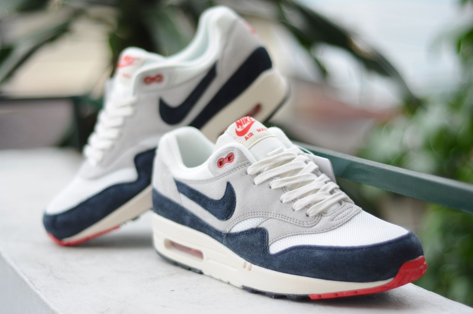 nike air max 1 vntg white navy red retro