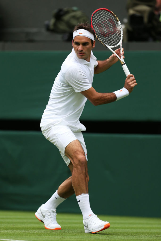 Roger Federer wearing Nike Vapor 9 Tour LE Orange Sole (2)