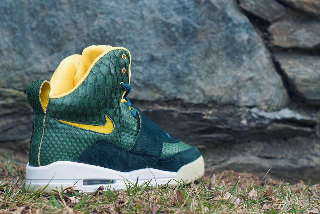 Nike Air Yeezy 'Oregon' by JBF Customs (3)