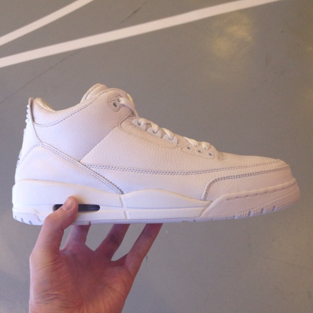 Air Jordan III 3 All-White Sample