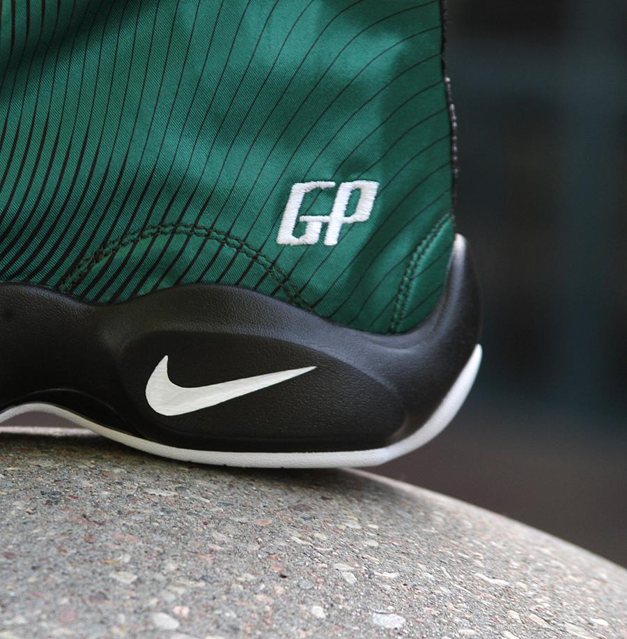 910e08f6ff11 Nike x Sole Collector  Sonic Wave  Zoom Glove
