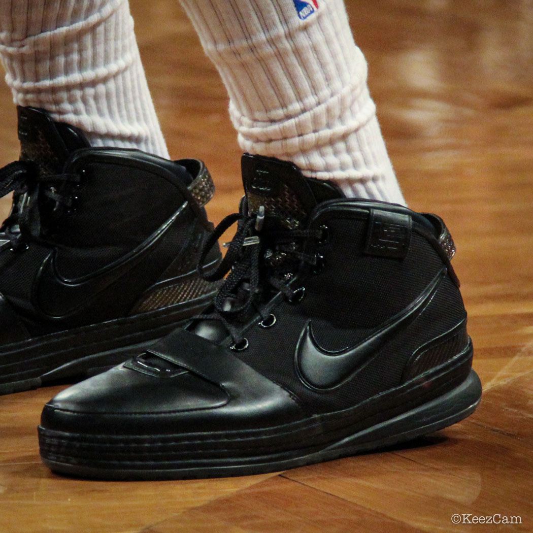 DeMarcus Cousins wearing Nike Zoom LeBron VI Blackout