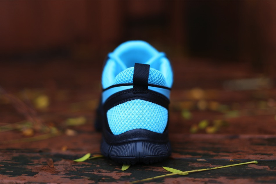 nike free trainer 5.0 black blue