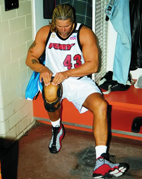 Kevin Nash wearing the Air Jordan XIII