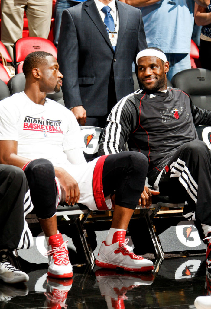 Dwyane Wade Wears Li-Ning Way of Wade White/Red (3)