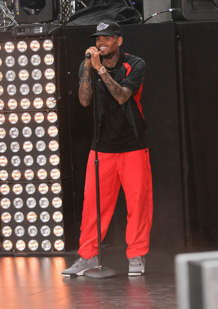 Chris Brown Wearing Cool Grey Air Jordan IV 4 Retro (6)