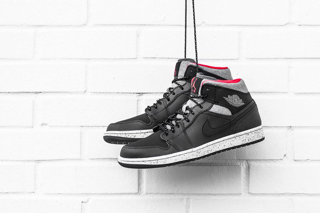 Air Jordan 1 Mid Winter Black Grey-Infrared (1) 574c1d0f3
