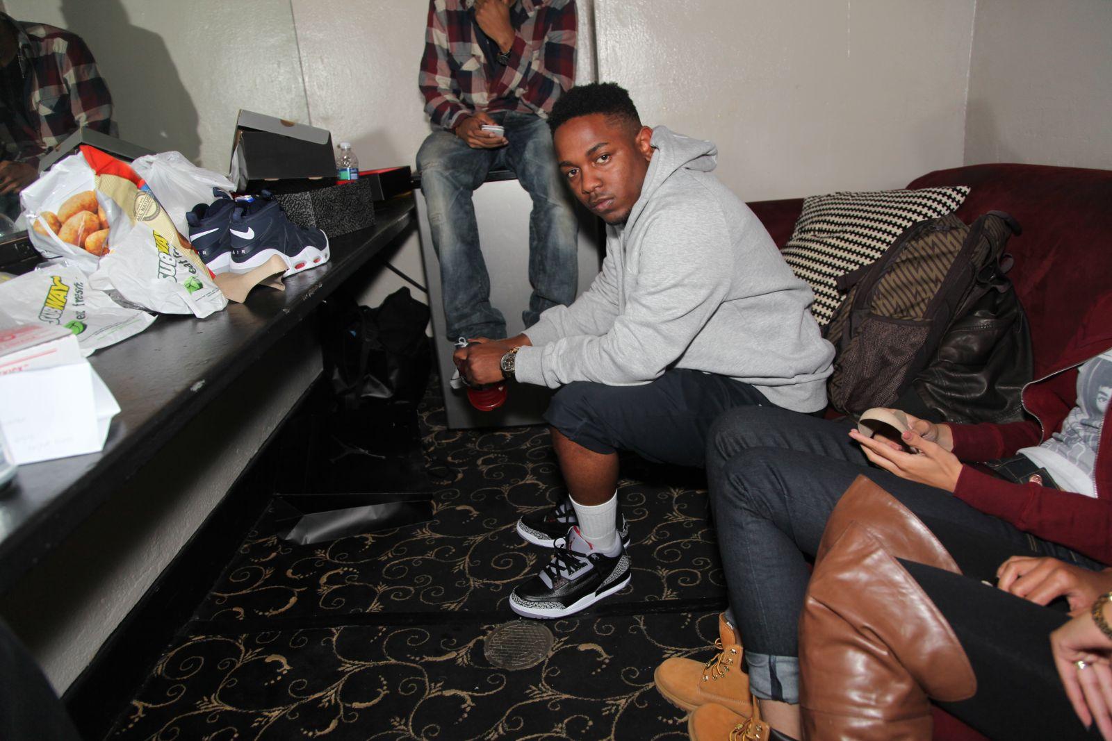 SC Celebrity Sneaker Watch: Kendrick Lamar in the Air ...