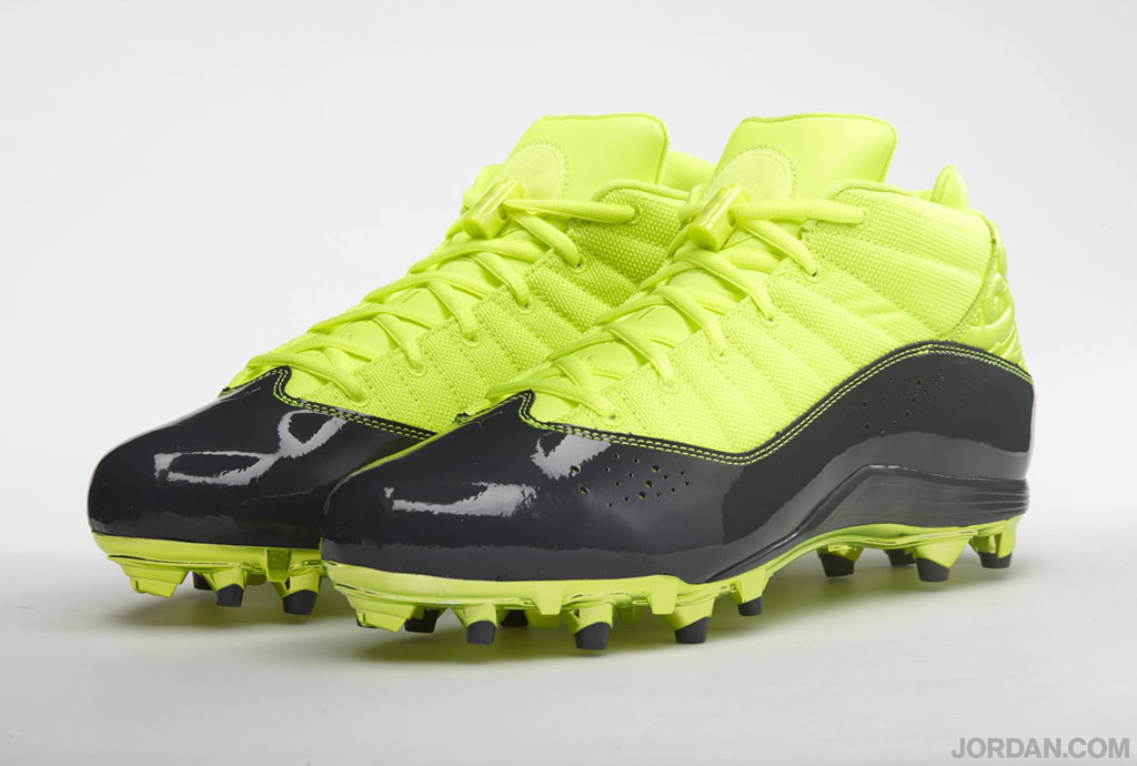 Dez Bryant's Jordan 6 Rings Cleats for the Pro Bowl (1)