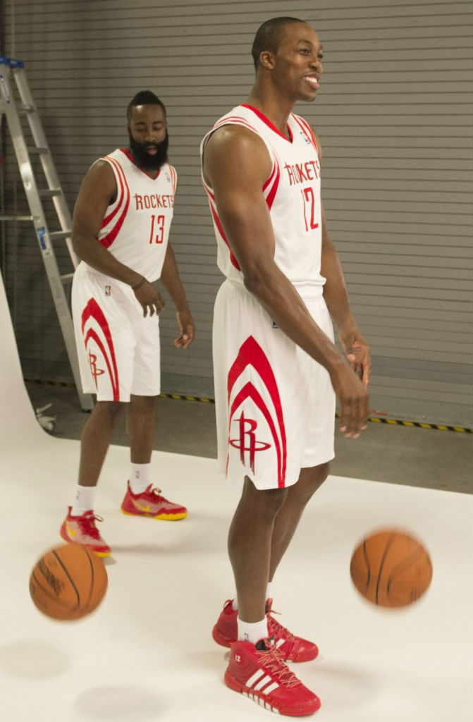 Dwight Howard wearing adidas D Howard 4