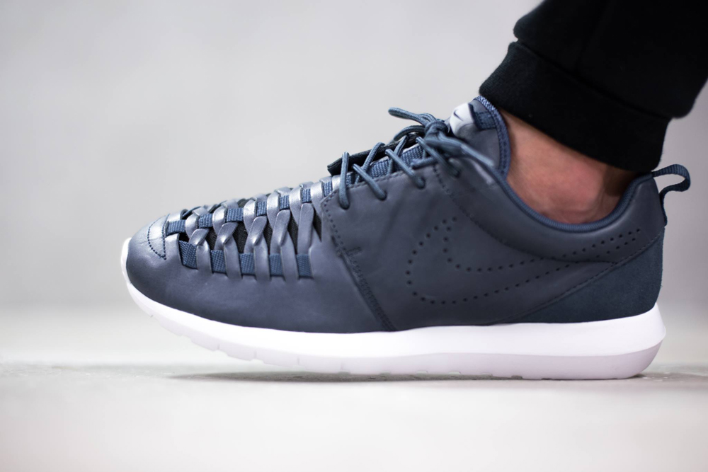 2f7cee8d98e2 The Most Confusing Nike Roshe Run of Them All