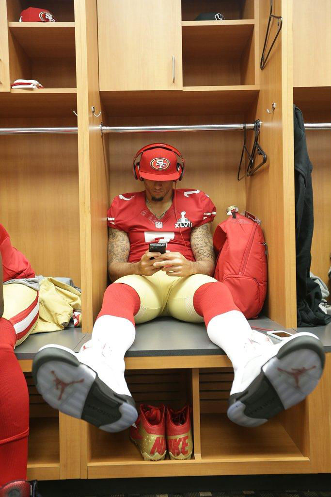 Colin Kaepernick wearing Air Jordan V 5 Fire Red (2)