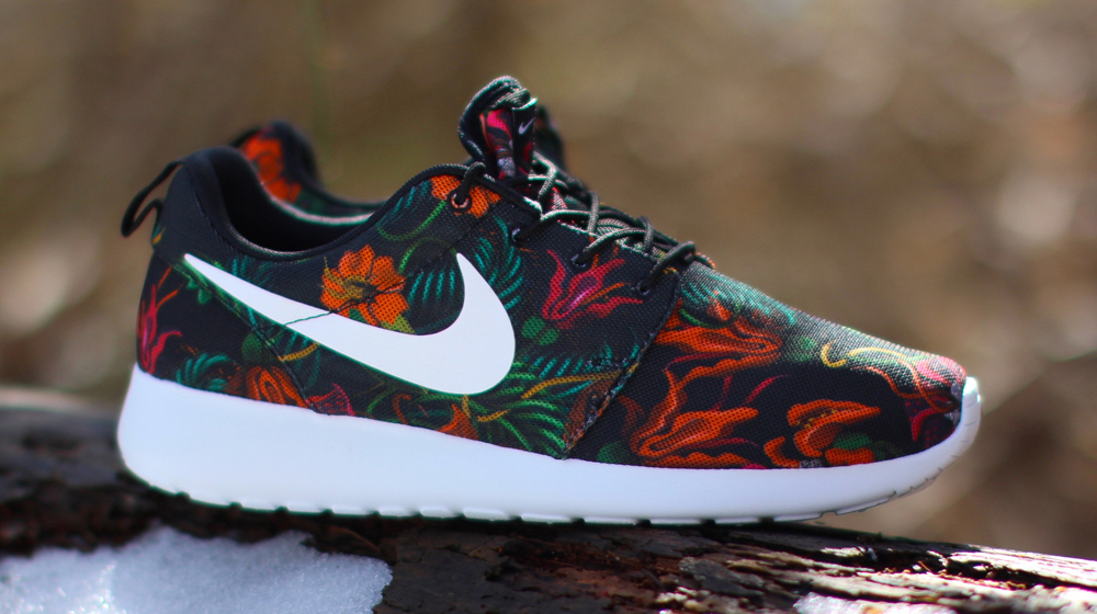 roshe runs with floral nike signature