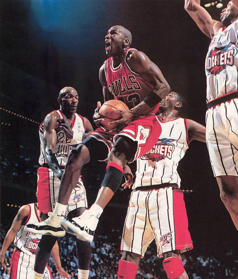 Michael Jordan wearing Air Jordan XI 11 Concord (36)