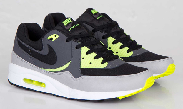 best service 71334 c99a6 Nike Air Max Light Essential - Black Dark Grey-Volt