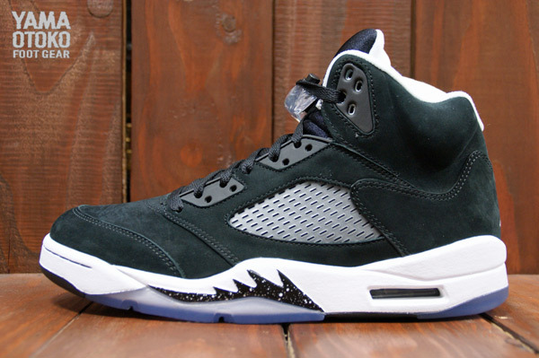 6a1a45792350f2 Air Jordan 5 Retro in Black Cool Grey and White profile