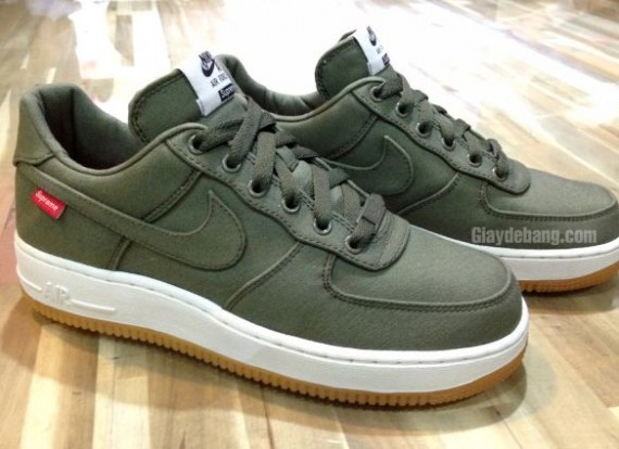 Supreme x Nike Air Force 1 Low 30th Anniversary Olive
