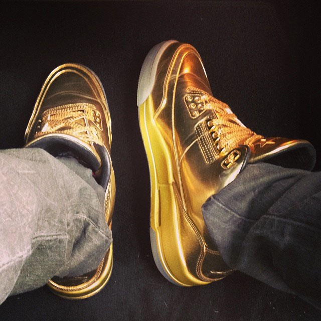Usher Gold Air Jordan III 3 (2)