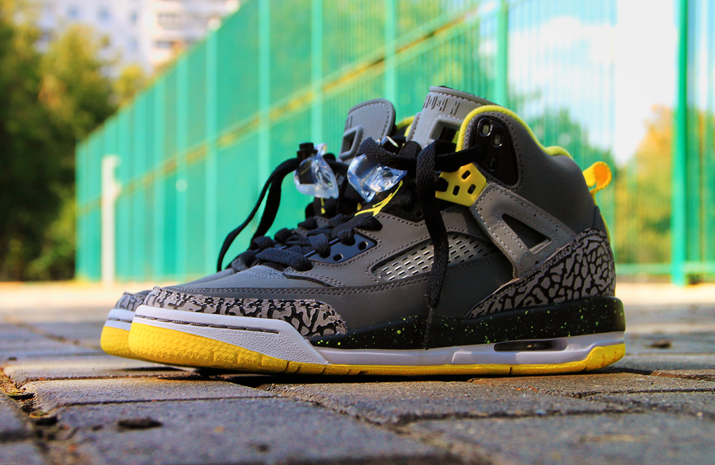 Jordan Spiz'ike GS Cool Grey/Vibrant Yellow-Black | Sole ...