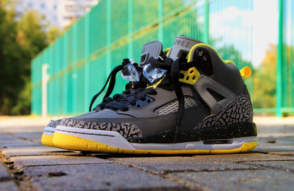 Jordan Spiz'ike GS Cool Grey/Vibrant Yellow-Black | Sole ...