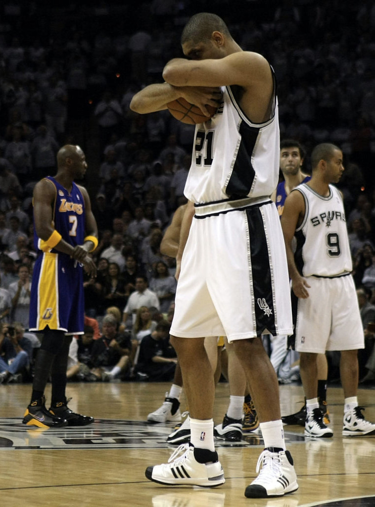 cheap for discount ae7e8 bb8ba A Look Back at The Most Notable Sneakers Worn By Tim Duncan | Sole ...