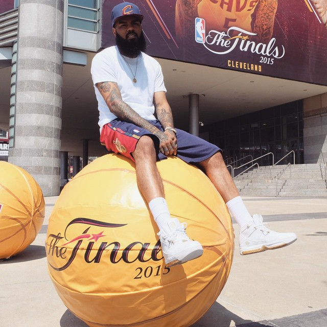 Stalley wearing the 'West Coast' Nike LeBron 3