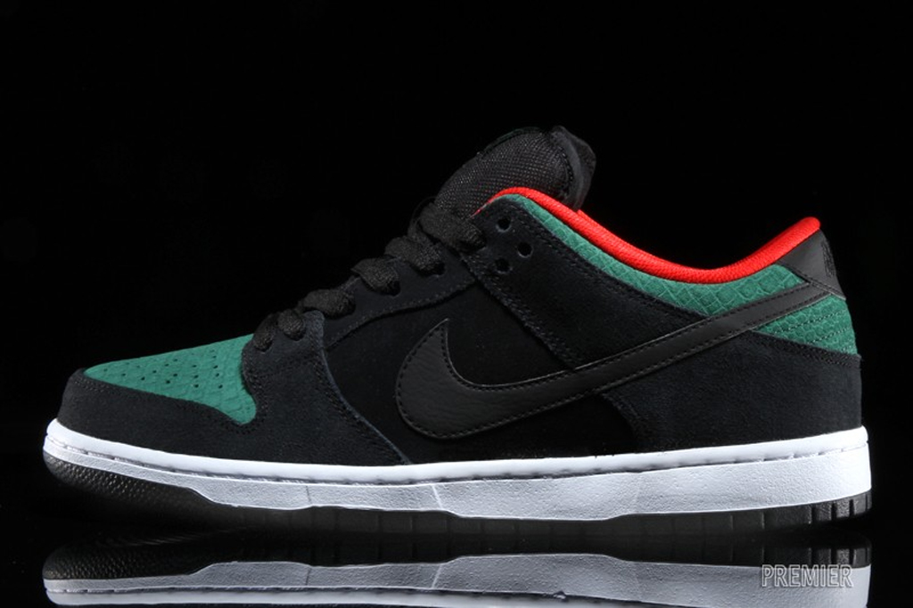 reputable site 68943 178ac A Familiar Colorway Returns To The Nike SB Dunk | Sole Collector