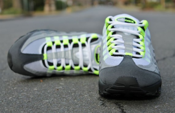 online store 96a7d 960b8 Nike Air Max 95 OG - Neon Yellow | Sole Collector